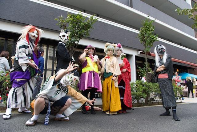 化け猫フェスティバルで猫に仮装している人々