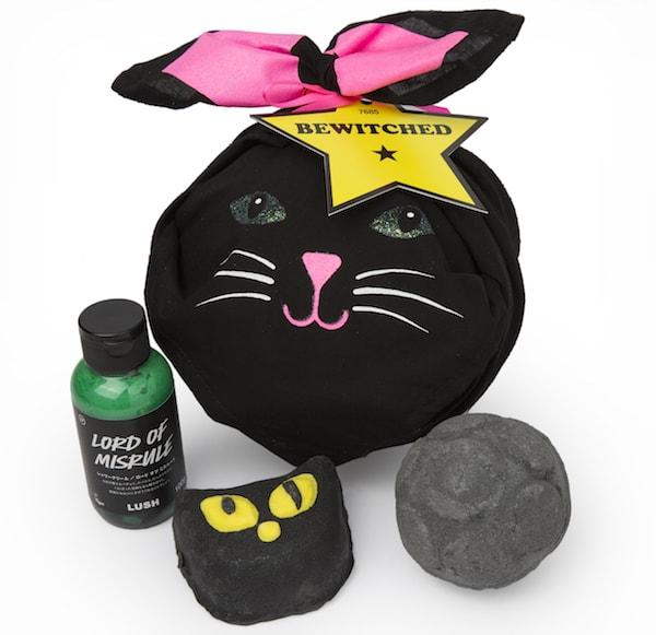 黒猫デザインの風呂敷付き、ビウィッチド(バブルバー)のギフトセット by LUSH(ラッシュ)