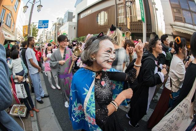神楽坂・化け猫フェスティバルの化け猫パレード