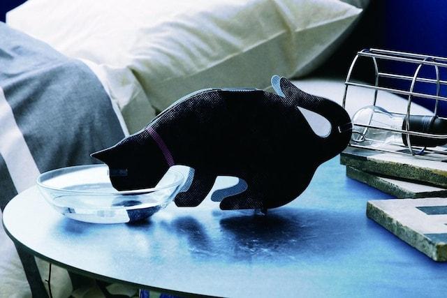 ニトリのペーパー加湿器、うるおい黒猫