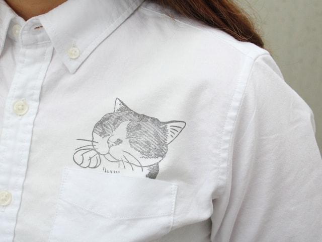 シャツのポケットに猫スタンプを押して、ポケット猫を作れるスタンプ