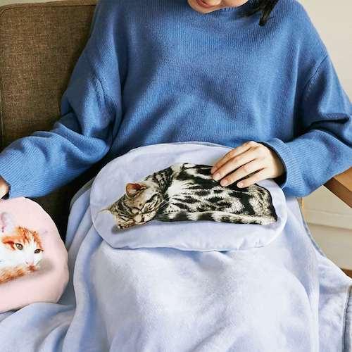 猫がゴロゴロ クッションブランケット
