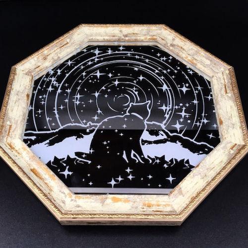 ガラス作品「星詠み猫/白金八角鏡」 by ガラス工芸家・可夜