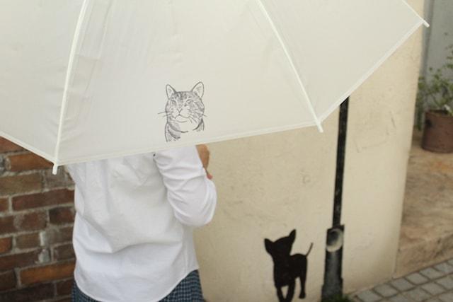 ビニール傘もリメイクできる、猫のスタンプ