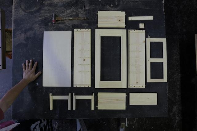ネコ家具の組み立てパーツ