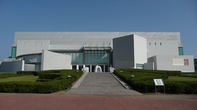 宮崎県立美術館の外観