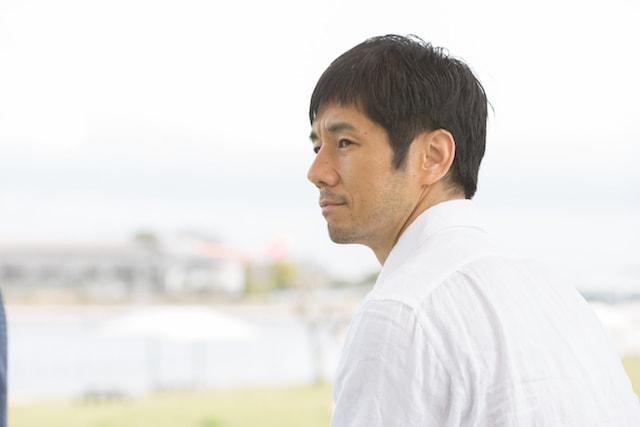 ブランケット・キャッツで主人公を演じる俳優の西島秀俊