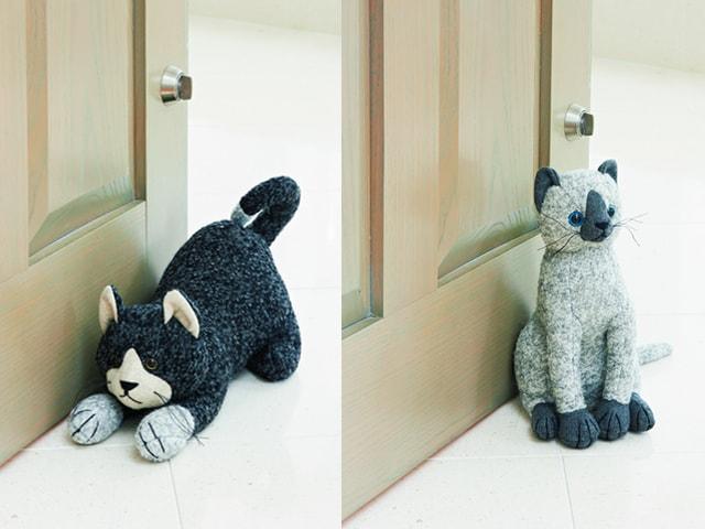 インテリアにもなる可愛い猫のドアストッパーがディノスから登場