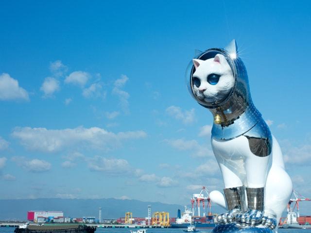銀座 蔦屋書店で猫×アートのクリスマスイベント、3mの巨大ネコも登場