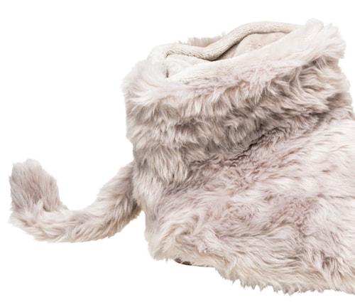 猫のようなしっぽが付いたフットウォーマー「ふわポカ フット」