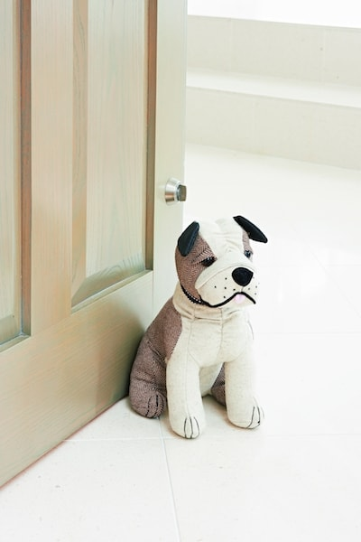 英国・ドラデザイン社製、犬のドアストッパー(ブルドッグ)