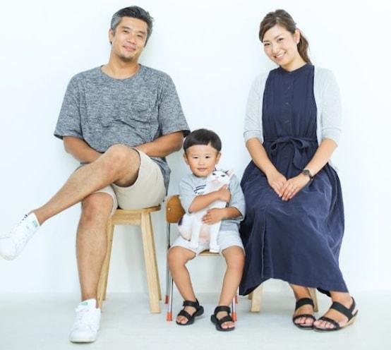 「ザクロとたい」の著者・杜本りえさんの家族写真