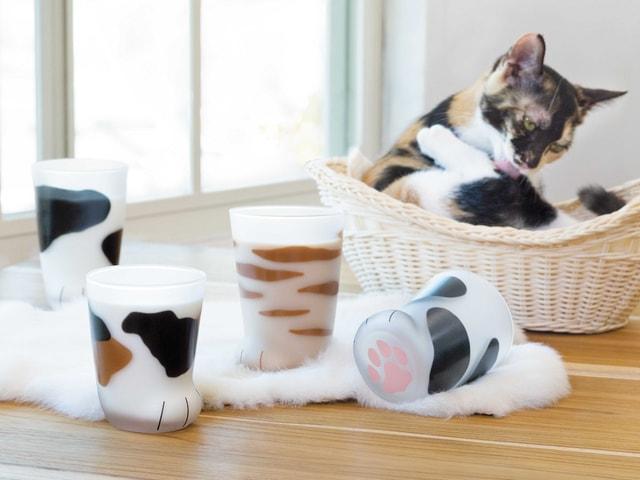 ミケ、トラ、ブチ。3種類の猫の「おてて」をイメージしたグラスが登場