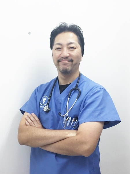 大阪・淀川の「あお動物病院」の院長、山村良太氏