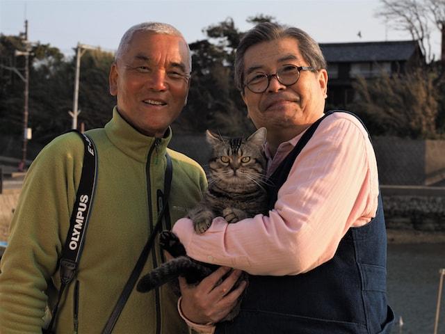 映画「ねことじいちゃん」監督の岩合光昭さんと、主演の立川志の輔さん