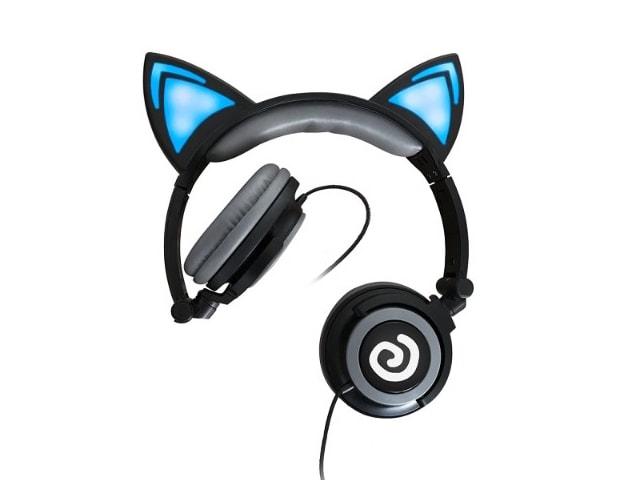 猫耳がLEDライトで光る!近未来的なヘッドホンがお手頃価格で登場