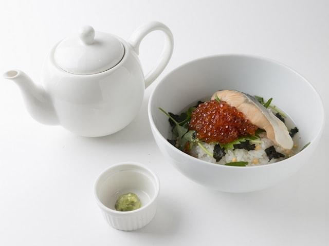 焼き鮭とイクラのだし茶 のっけごはん