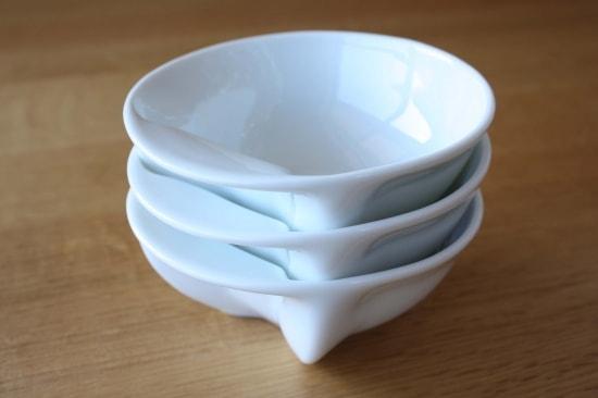 ECRU(エクリュ)の食器「ねこスープボール」をスタッキングして重ねた様子