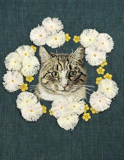 猫の刺繍シャツ by hiroko