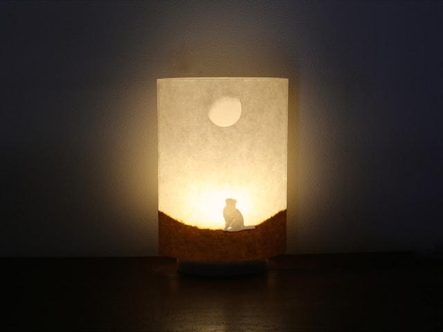 猫×「森・星・月」など、自然をモチーフにした幻想的なランプ