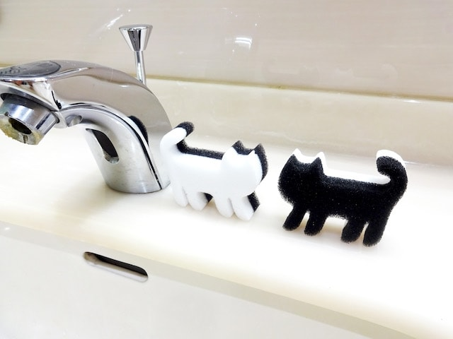 シンクに置いてもかわいい猫のメラミンスポンジ