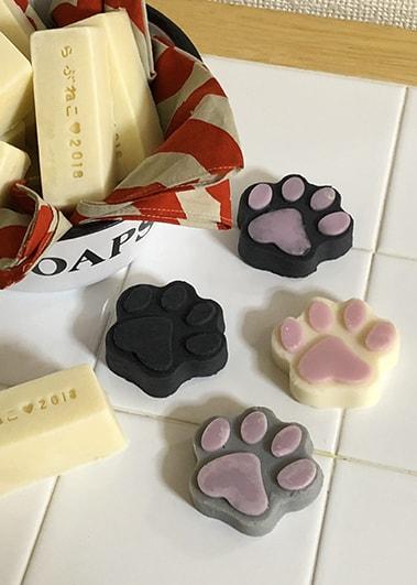 猫をモチーフにした手作り石鹸 by miette