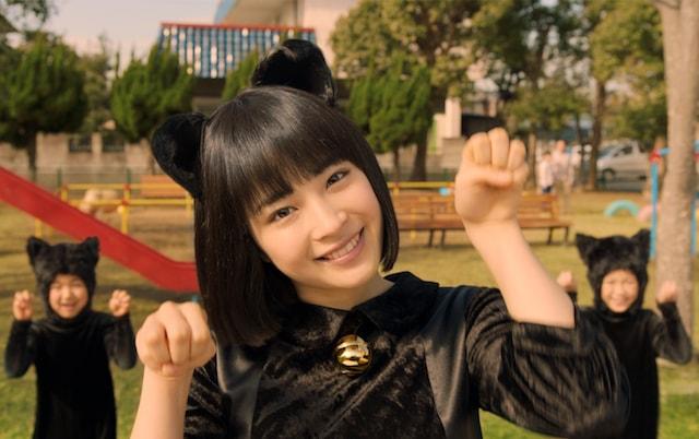 広瀬すず演じる「すずネコ」のチャルメラ新CM「ちゃるめニャダンス篇」