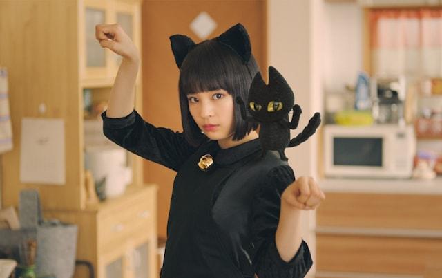 広瀬すず演じる「すずネコ」のチャルメラ新CM「この子が篇」