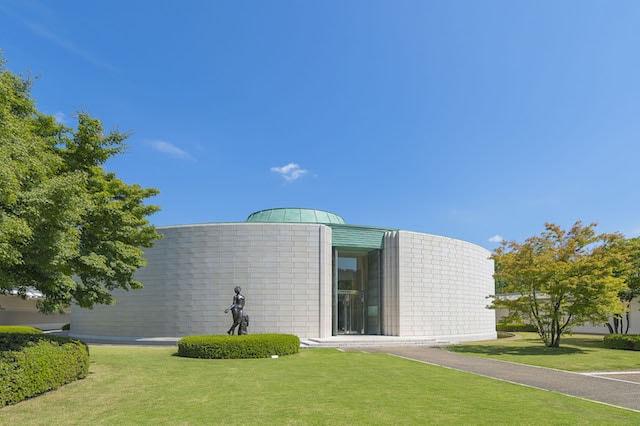 ひろしま美術館 本館・中庭のイメージ写真