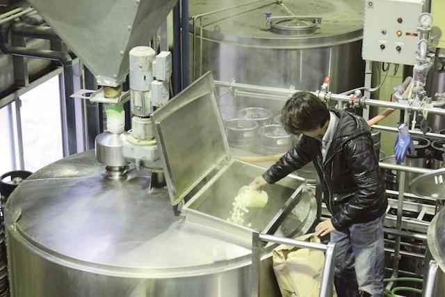 ポップコーンで肉球味のビール作り