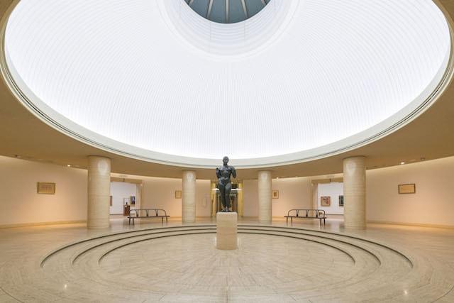 ひろしま美術館の内観(本館ホール)写真