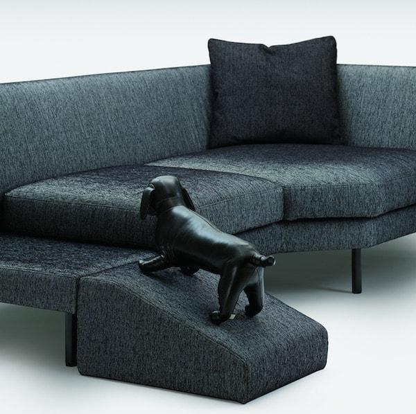 ペットスロープも付けられるソファ「Pedana ペダーナ」