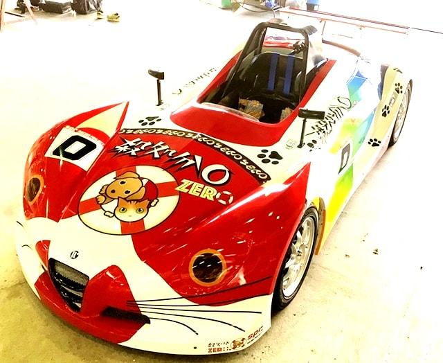 犬猫の殺処分0を訴えるレーシングカー「Spr Racing Project犬猫の殺処分0号」の外観イメージ
