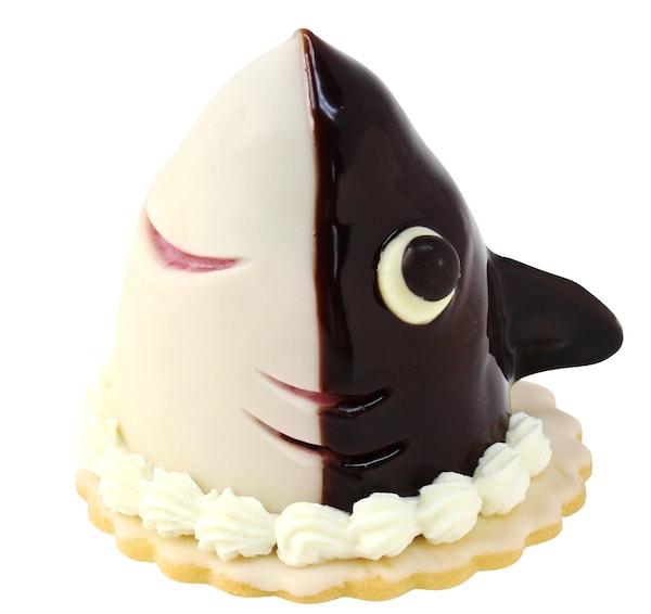 ユーハイムのケーキ「サメが来たぞ!」