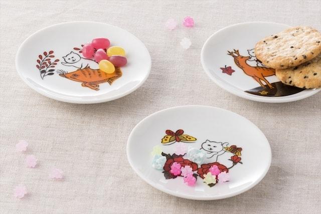 花札ねこ柄豆皿&箸置きの使用イメージ(オヤツ)