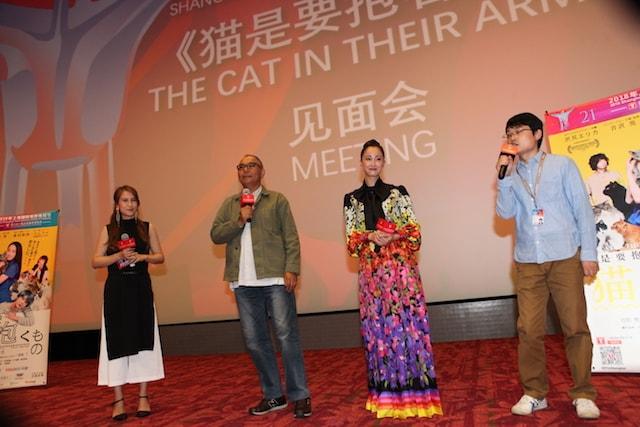 上海国際映画祭で舞台挨拶を行う沢尻エリカ&犬童一心監督