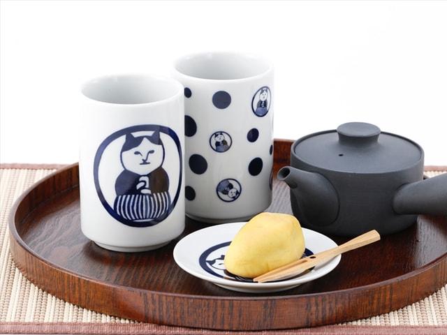 可愛い猫パッケージの日本茶「ねこ茶商」が新発売!湯呑みや豆皿もあるニャ