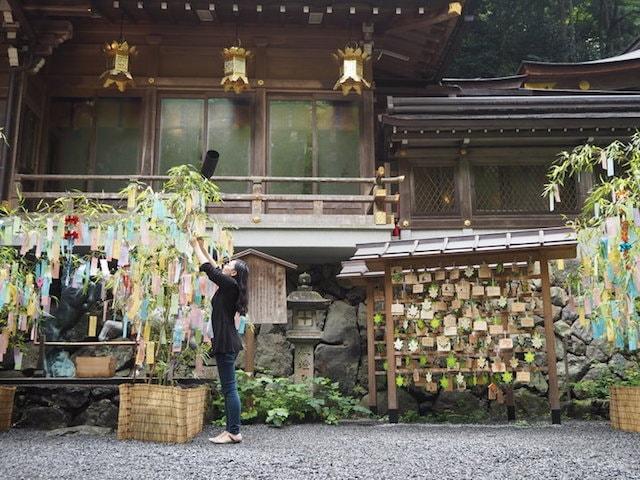 京都の貴船神社に愛猫&愛犬の願いを書いた短冊を奉納