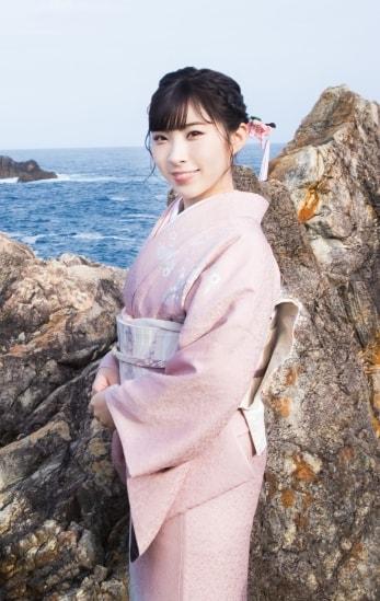 元AKB48で演歌歌手の岩佐美咲