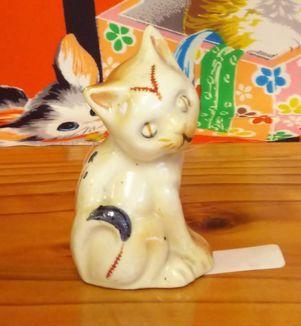 オキュパイドジャパンの猫の置物 by ノリタケ製