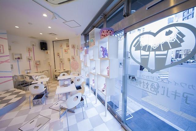 秋葉原のメイドカフェ「アキバ絶対領域」の店内イメージ