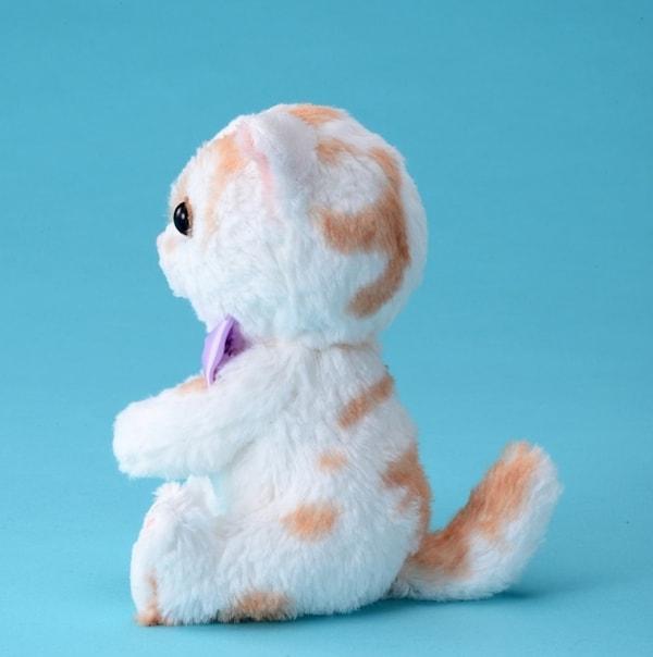 ちくわ柄の人気猫「ホイップ」のぬいぐるみ(側面) by タカラトミー