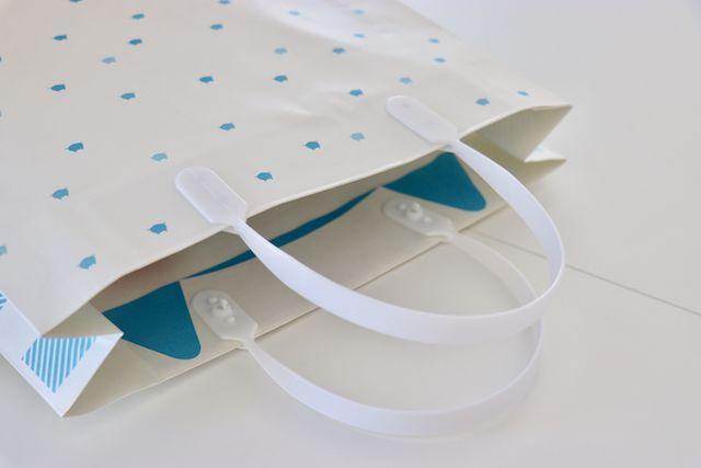 しゅうニャン手提げ紙袋(内側の猫耳デザイン)