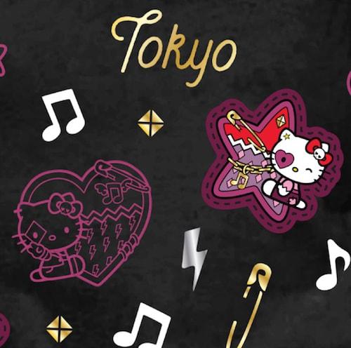 Girls Hello Kitty Punk Icon Tee-Black(ロゴアップ写真) by ハローキティとハードロックカフェのコラボTシャツ
