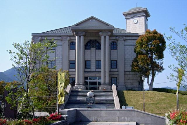 丹波市立植野記念美術館の外観