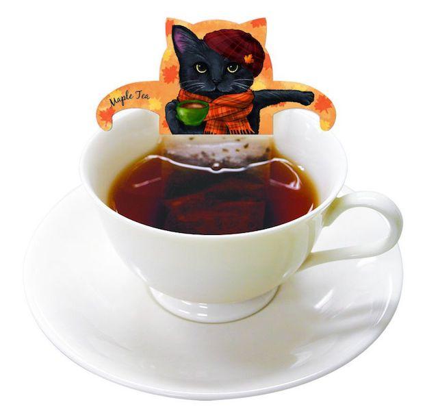 猫が紅茶風呂に浸かっているように見えるティーバッグ「キャットカフェ」