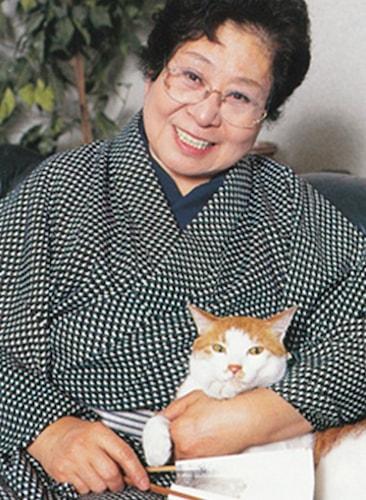 浅香光代さんと愛猫「浅香太郎」のツーショット写真