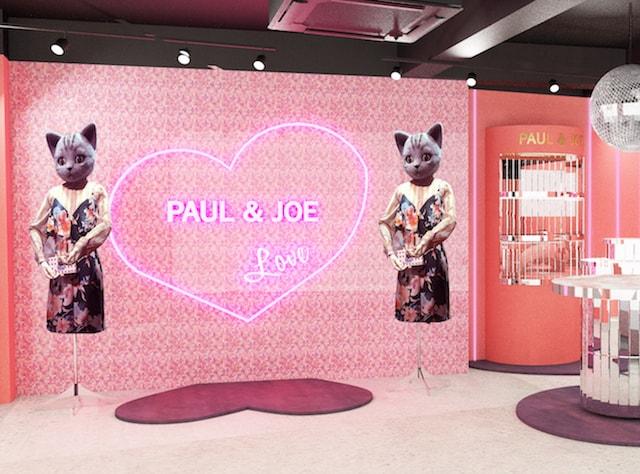 PAUL & JOE キャットストリート」の店内にある猫のマネキン
