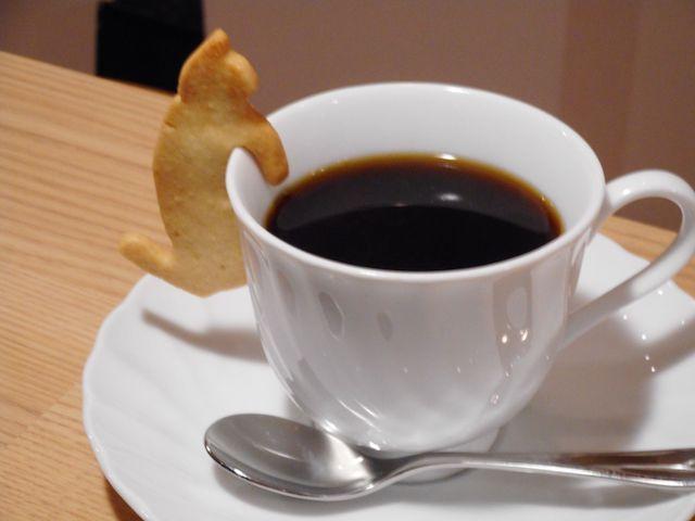 Eagle Cafe(カフェ)の猫クッキーとコーヒーのセット