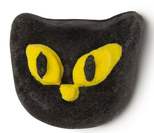 黒猫をモチーフにしたバブルバー「ビウィッチド」 by LUSH(ラッシュ)